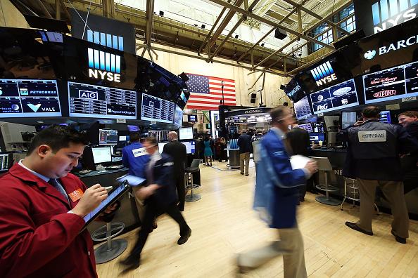 Wall Street cierra con Dow y S&P 500 en récord