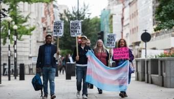 Corte de EU impide a Trump cambiar política sobre militares transgénero