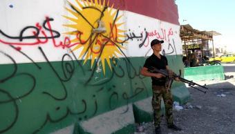 Fuerzas de Movilización Popular iraquíes patrullan calles al sur de Kirkuk