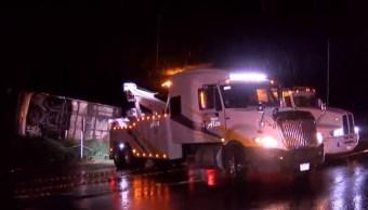 Mueren 15 peregrinos tras volcar su autobús en Atotonilco, Jalisco
