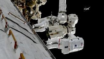 Astronautas instalan nuevos-ojos Estación Espacial Internacional