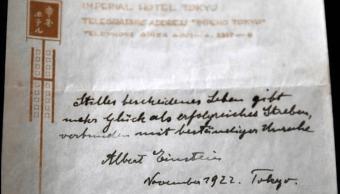 Notas escritas por Einstein serán subastadas