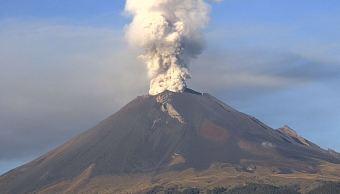 panoramica del volcán popocatepetl exhalaciones vapor
