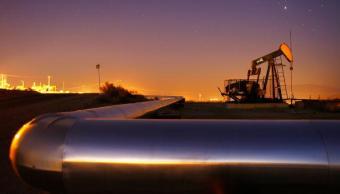 Precios del petróleo caen por alta producción de la OPEP