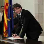 Gobierno español asegura que presidente Carles Puigdemont no sabe donde va