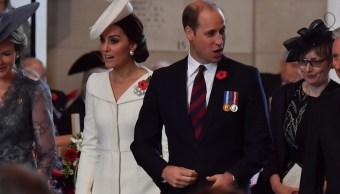 Duques de Cambridge revelan que su tercer hijo nacerá en abril