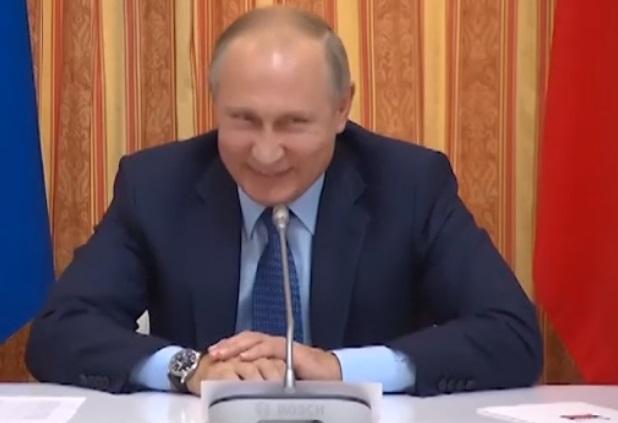 Putin se parte de risa por error de su ministro