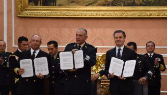 SEP firma bases de servicios educativos y becas