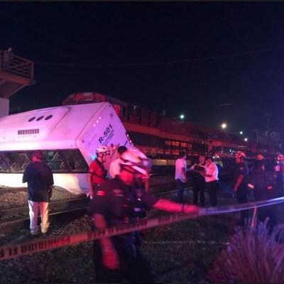 Tren embiste camión de pasajeros en NL; deja 9 lesionados