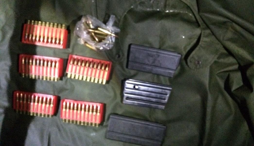 soldados policias armas michoacan camionetas cargadores