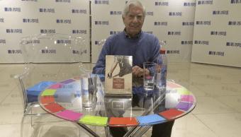 Vargas Llosa durante la presentación de su libro 'Un héroe discreto'