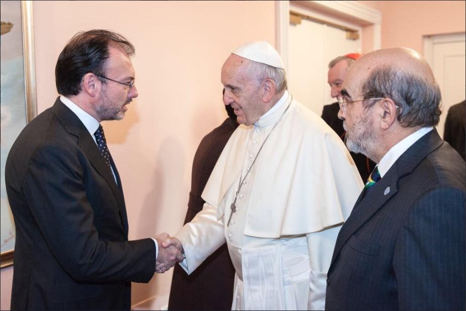 Videgaray se reúne con el papa Francisco, quien expresa condolencias por sismos