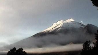 volcan popocateptl expulsa gases desde su crater