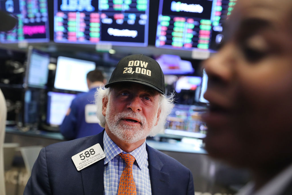 Wall Street registra cierre mixto tras informes de ganancias