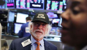 Dow Jones toca primera vez 23 mil puntos
