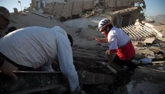aumentan 328 muertos iran sismo