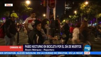Paseo nocturno en bicicleta por el Día de Muertos