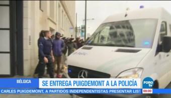 Se entrega Carles Puigdemont a la policía