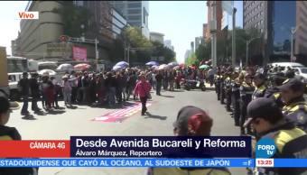 Manifestantes bloquean Bucareli, desde Paseo de la Reforma, CDMX