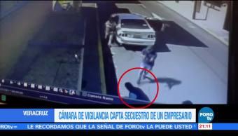 Cámara de vigilancia capta secuestro de un empresario en Veracruz