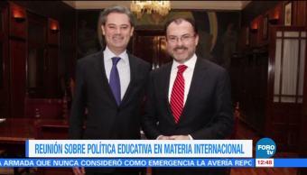 Videgaray se reúne con Nuño para tratar política educativa internacional