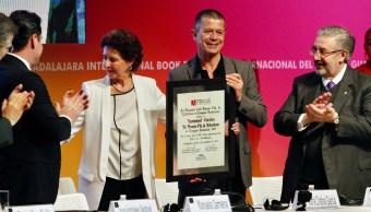Feria del Libro de Guadalajara inicia con premio para Emmanuel Carrère