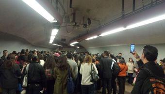 La estación Polanco del Metro CDMX opera con normalidad tras el cierre del acceso poniente para la colocación de sillas por un evento. (Twitter/@MitchTorres2)