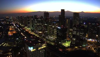 Panorámica de la Ciudad de México; prevén ambiente frío y una temperatura máxima de 20 grados centígrados. (Twitter/ @webcamsdemexico)