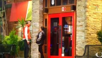 Asaltan a clientes de un restaurante en Avenida Universidad
