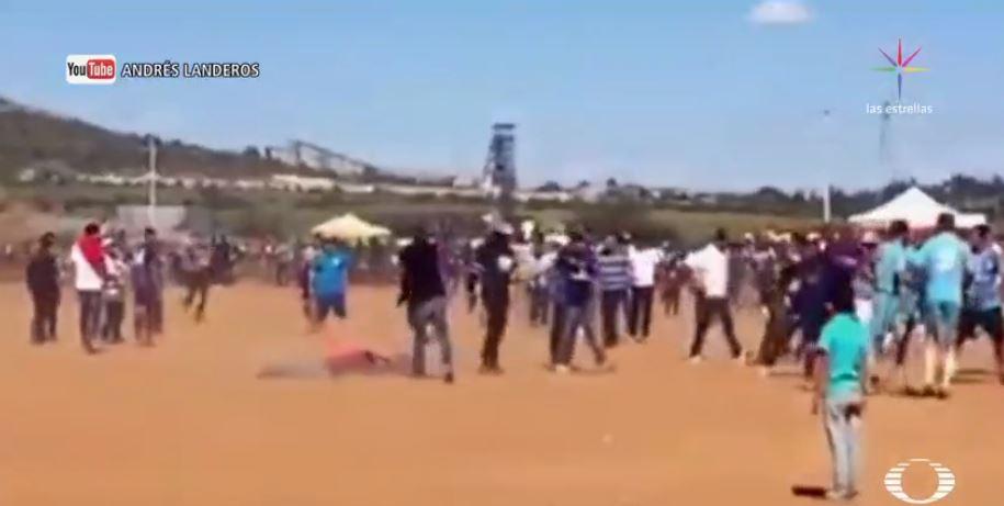 Joven asesina a balazos a otro hombre en pleno partido de futbol