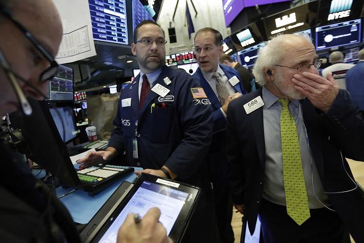 Wall Street cierra pérdidas y Dow Jones baja 013 ciento