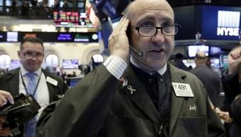Wall Street cierra alza y Dow Jones avanza 0 31 ciento