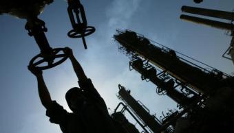 Caen los inventarios de petróleo y combustible en Estados Unidos