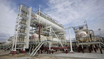 OPEP respalda recorte de oferta hasta fines de 2018