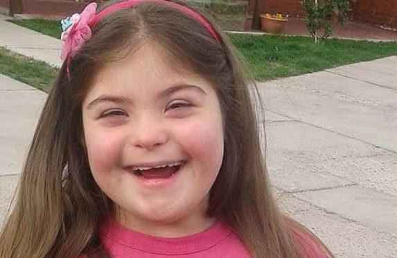 La negaron la comunión a una nena con síndrome de down