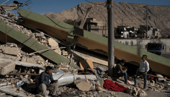 Derrumbes en Irán tras terremoto en la frontera con Irak