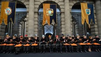 unam inviste 11 doctores honoris causa