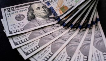 El dólar cierra en 19.03 pesos a la venta