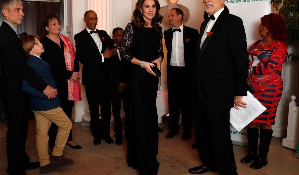 Kate Middleton presume cuatro meses de embarazo