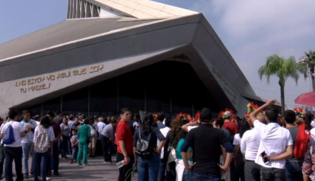 Fiesta y fervor de peregrinos en la Basílica de Guadalupe, en Monterrey