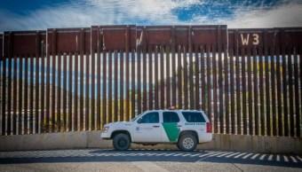 Muere agente fronterizo en Texas, Trump insiste en construir muro con México