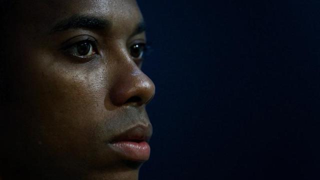 Futbolista 'Robinho' rechaza condena por violación