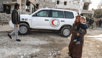 Habitantes de Ghouta, en Siria, esperan ayuda humanitaria