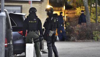 Reportan hombres armados zona residencial Estocolmo