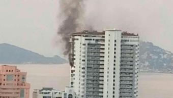 Se registra incendio en Torre Coral de Acapulco, Guerrero