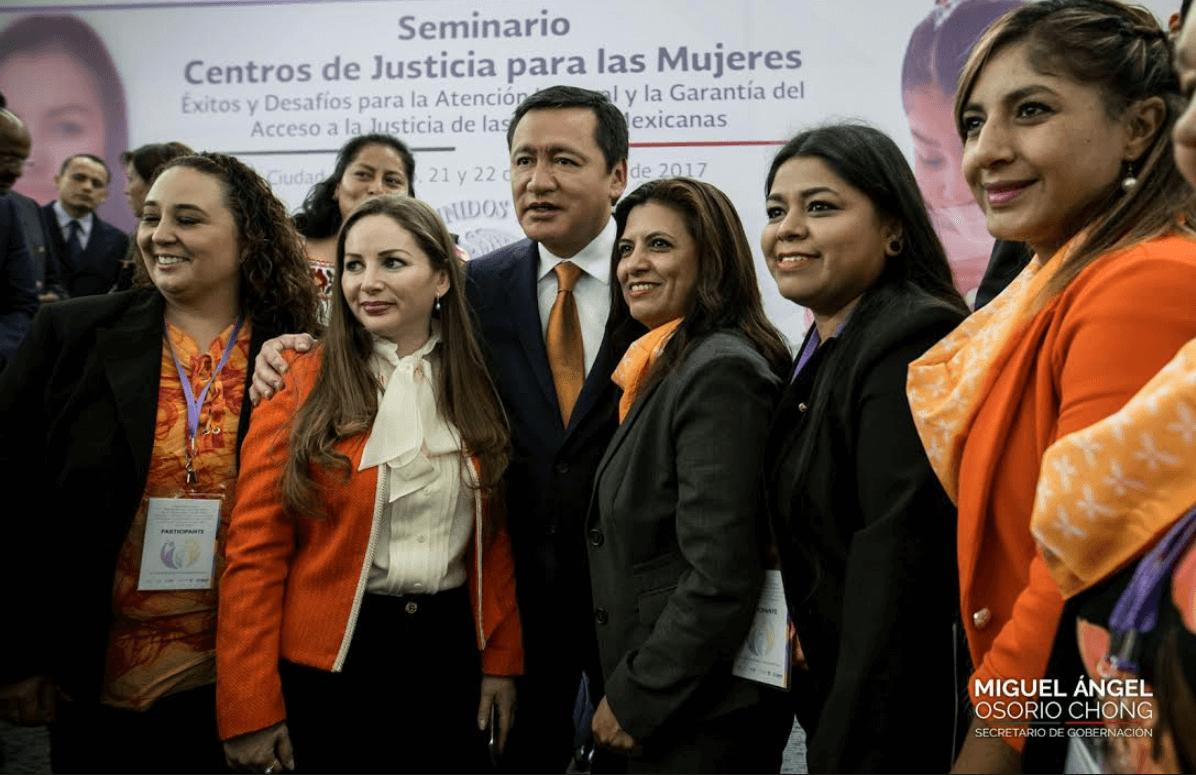 https://i2.wp.com/noticieros.televisa.com/wp-content/uploads/2017/11/miguel-angel-osorio-chong-secretario-de-gobernacion.png