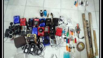 Relevan a director de penal de Cuautitlán decomiso de 632 objetos prohibidos