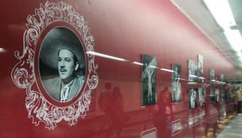 Pedro Infante llega al Metro de la CDMX con exposición fotográfica