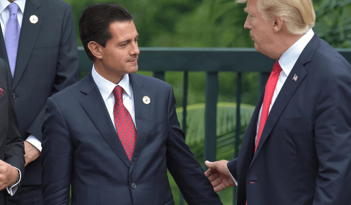 Peña Nieto regresa a México tras participar en la APEC en Vietnam