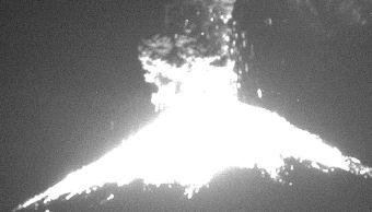 volcan popocatepetl registra explosion incandescente columna eruptiva dos kilometros